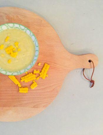 Preisoep met mais. Een heerlijke en gezonde vegetarische soep. Lekker als maaltijdsoep voor het avondeten.