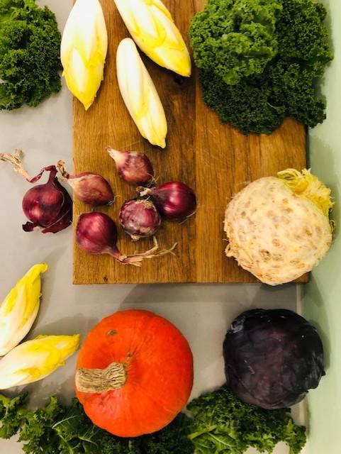 Seizoensgroenten november met bijpassende recepten. Heerlijke en gezonde recepten op basis van groenten uit het seizoen. Veelal vegetarisch en sommige ook veganistisch. Zowel hoofdgerechten als voorgerechten, soepen, salades en ander lekker eten.